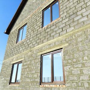 коттедж с окнами rehau grazio